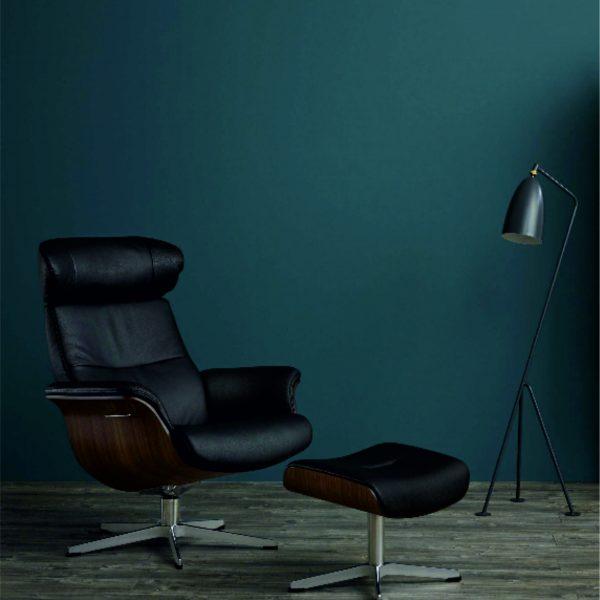 moderner Klassiker, Sessel mit Nußbaum-Sitzschale