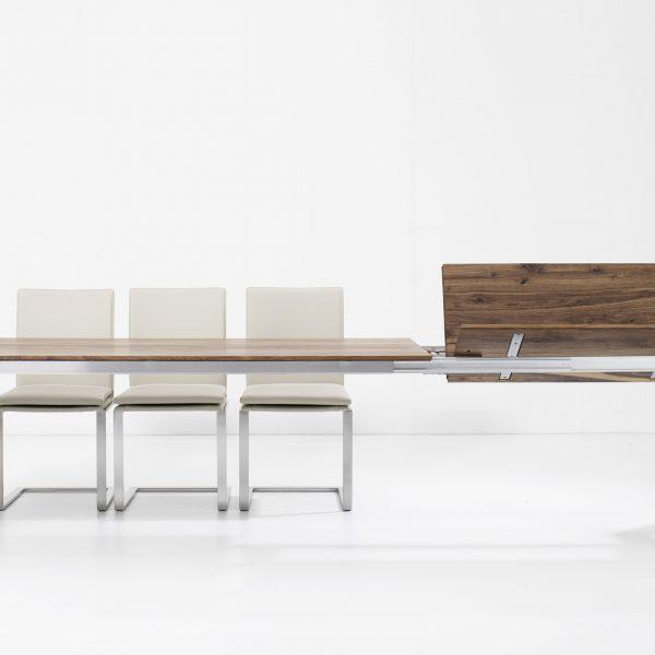 Esstisch mit Edelstahlgestell, Platte Massivholz, ausziehbar